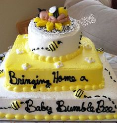 BUMBLE BEE Amarillo Bebé Ducha Primer Por DinasCakeToppers En Etsy. Yellow  Birthday CakesBaby Shower ...