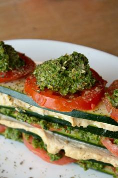 Raw Vegan Lasagna: a simple, hearty meal.  Might try using hummus in place of the cashew cheese.