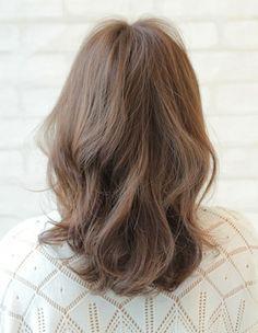 AFLOAT SKY|ヘアスタイル: ゆるふわミディアム♪|ヘアスタイル・髪型のカタログ|かみまどヘアサロン