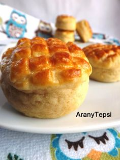 AranyTepsi: Hűtős kefires pogácsa My Recipes, Dessert Recipes, Recipies, Hungarian Recipes, Sweet And Salty, Bacon, Bakery, Muffin, Food And Drink