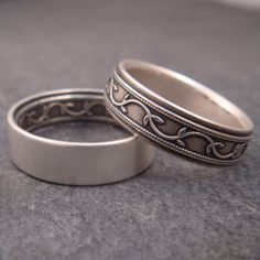 A silver vine patterned set with one of the rings turned inside out so that the pattern is on the inside. Stylish Jewelry, Cute Jewelry, Jewelry Art, Antique Jewelry, Jewlery, Jewelry Accessories, Moon Jewelry, Silver Jewelry, Silver Rings
