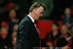 AKARPADINEWS.COM | SETELAH tiga musim puasa gelar, akhirnya Manchester United (MU) merengkuh piala pertamanya pasca masa keemasan Alex Ferguson, Piala FA. Piala itu juga yang menjadi prestasi Louis van