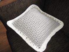 Zpagetti crochet pillow