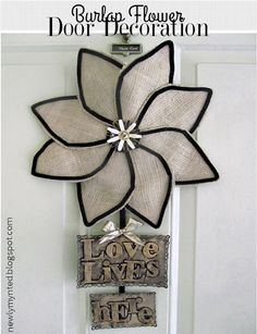 I have wanted some kind of decoration on my front door for years. What would go there has been a tough decision for me, though. Burlap Projects, Burlap Crafts, Diy Projects, Burlap Wreath Tutorial, Diy Wreath, Burlap Flowers, Deco Mesh Wreaths, Spring Crafts, Mirrors