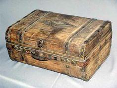 чемоданы старые: 24 тыс изображений найдено в Яндекс.Картинках Cardboard Box Diy, Vintage Suitcases, Watch Box, Diy Box, Antiquities, Book Crafts, Hope Chest, Decoupage, Upcycle