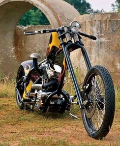 Usually I'm not a fan of raked forks but that's a beautiful panhead custom.