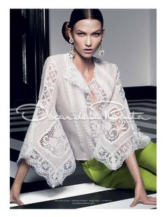 Discover the latest fashion trends from the most fashion forward women around the world. Boho Fashion, High Fashion, Fashion Dresses, Womens Fashion, Fashion Design, Fashion Trends, Look Blazer, Mode Boho, Beautiful Blouses