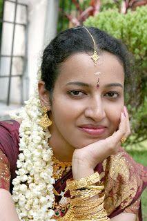 Real Beauty, Beauty Women, Indian Girls Images, Hot Actresses, India Beauty, Looking For Women, Girl Pictures, Crochet Earrings, Beautiful Women