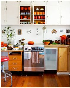 Love this kitchen, I was thinking lime green for future kitchen but now I'm rethinking that...