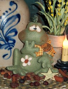 Primitive Patti's Ratties Frog Toad Daisy Summer Doll Ornie Pattern 328 by pattisratties on Etsy https://www.etsy.com/listing/213053333/primitive-pattis-ratties-frog-toad-daisy