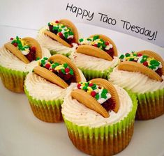 These taco cupcakes are too freaking cute! So perfect for a fiesta theme party or fiesta baby shower. So creative and easy to make and would definitely add a pop to your dessert table. Cupcake Recipes, Cupcake Cakes, Dessert Recipes, Taco Dessert, Party Recipes, Dessert Table, Just Desserts, Delicious Desserts, Yummy Food