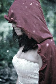 Red Riding Hood in the snow. Model:Moonkitty,Photography by Anora Crescent.