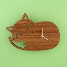 Bambú durmiendo Fox reloj Vivero forestal por graphicspaceswood