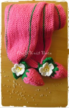 Strawberry scarf