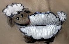 Lip Art ~ Sheep frontier.ac.uk | blog.frontiergap.com #WorldAnimalDay #animals #facepaint