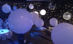 A mix of Giant balloons in neutral white and Diamond Clear - with the added effect of lighting is absolutely glorious. These were all rigged to the roof of the Grand Ballroom at Four Seasons. A fairytale feel! Send Balloons, Balloons Online, Giant Balloons, Christmas Party Decorations, Balloon Decorations, Wedding Decorations, Balloon Delivery, Balloon Gift, Enchanted Evening