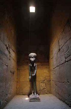 Estatua de Sekhmet en el templo de Ptah de Karnac