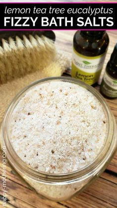 Fizzy bath salts are one of my new favorite homemade beauty products. They& so easy to make – you get the benefits of bath bombs without all the effort! This Lemon Tea Tree Eucalyptus scent is perfect for winter months and seasonal allergies. Beauty Photography, Bath Benefits, Bath Salts Recipe, Homemade Bath Salts, Diy Fizzy Bath Salts, Fizzy Bath Bombs, Diy Beauty Projects, Diy Projects, No Salt Recipes