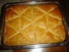 Rezept: GALAKTOBOUREKO ( MILCHAUFLAUF ) Bild Nr. 3 Home Bakery, Greek Recipes, Bon Appetit, Tapas, Casserole, Food And Drink, Milk, Cooking Recipes, Dinner