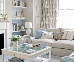 superbe idee deco salon gris et blanc avec des touches de bleu ciel, ambiance salon cocooning très esthétique