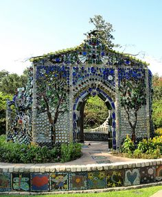 Airlie Gardens Bottle House