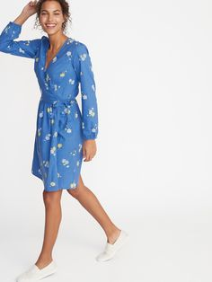 Old Navy Women's Waist-Defined Wrap-Front Dress Light Blue Floral Petite Size XS Wrap Front Dress, Wrap Dress Floral, Easter Dresses For Women, Baby Girl Fashion, Womens Fashion, Fashion Fall, Camo, Toddler Girl Style, Weekend Style