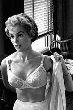 """Janet Leigh as Marion Crane in """"Psycho"""" directed by Alfred Hitchcock. Janet Leigh as Marion Crane in Psycho directed by Alfred Hitchcock. Classic Actresses, Beautiful Actresses, Actors & Actresses, Entertainment Weekly, Vintage Hollywood, Classic Hollywood, Hollywood Stars, Janet Leigh Psycho, Belinda Lee"""