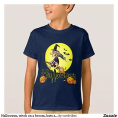 Halloween, witch on a broom, bats and pumpkins kids T-Shirt. #Halloween #witch #bat #Zazzle #Cardvibes #Tekenaartje