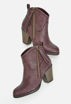 This faux leather bootie makes styling a cinch. With a faux leather construction…