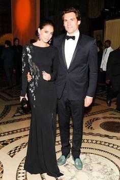 10/ Erika Bearman (a.k.a. Oscar PR Girl) in Oscar with her handsome accessory, mr. john bearman