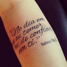 Resultado de imagem para tatoo feminina frase em portugues