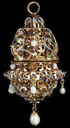 Early century German Pomander at the Victoria and Albert Museum, London by ava Renaissance Jewelry, Ancient Jewelry, Antique Jewelry, Gold Jewelry, Vintage Jewelry, Vintage Lockets, Jewellery Box, Metal Jewelry, Vintage Silver