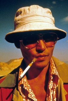 fear and loathing in Las Vegas Fear And Loathing, Movie Shots, Movie Tv, Johnny Depp, Hunter S Thompson, Film Inspiration, Film Aesthetic, Classic Movies, Action Movies