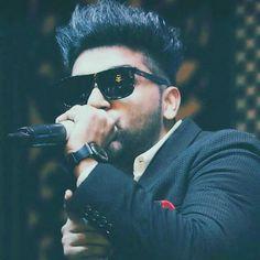 First Indian singer on billboard Guru Pics, My Lynn, Yo Yo Honey Singh, Love Guru, Love Husband Quotes, Dream Boy, My Crush, In A Heartbeat, Cute Boys