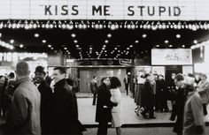 kiss me stupid!