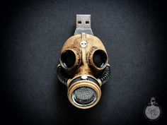 Are you my mummy? Incredible and unique GAS MASK flash drive Very high detailed Steampunk style 32 Gb USB 2 memory drive. The precious steampunk object was Geek Gadgets, Cool Gadgets, Iphone Gadgets, Camping Gadgets, Usb Drive, Usb Flash Drive, Steampunk Gas Mask, Goth Chic, Tech Gifts