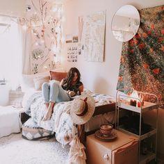 "7,638 Likes, 92 Comments - Allegra Rose B. (@allegraroseb) on Instagram: ""dorm room daydreams ✨ pick up some of my favorite dorm-safe pine forest floral sticker wallpaper…"""