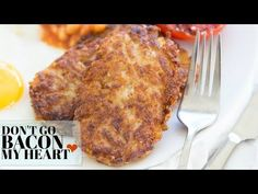 Looking for McDonald's style Hash Browns? Look no further than these Homemade Hash Brown Patties - Crispy on the outside and fluffy on the inside! Veggie Snacks, Veggie Recipes, New Recipes, Cooking Recipes, Favorite Recipes, Mcdonalds Breakfast, Breakfast Hash, Hash Brown Patties, Cheesy Hashbrowns