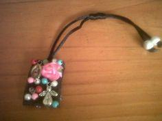 Un lindo escapulario Washer Necklace, Pendant Necklace, First Holy Communion, Deco, Bracelets, Jewelry, Saints, Jewelry Bracelets, Necklaces