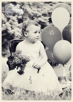 http://www.facebook.com/pages/Honey-Cooler-Photography/116600771770551  #child #photography #black and white #ballons #vintage