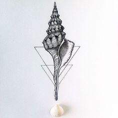 Seashell with geometry Seashell Tattoos, Ocean Tattoos, Body Art Tattoos, New Tattoos, Hand Tattoos, Small Tattoos, Cool Tattoos, Sternum Tattoo, Mandala Tattoo
