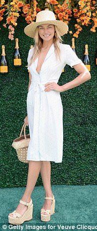 Jessica Hart - Shop stylish shirtdresses like Hailey Baldwin and Rihanna | Daily Mail Online