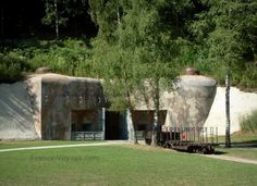 Maginot Line: Simserhof: entrance to the artillery fort - France-Voyage.com