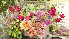 With some distinctive ideas, you can produce centerpieces that will wow you guests. Wedding centerpieces are an essential part of wedding decorations ...