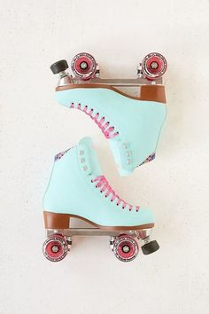 Moxi Beach Bunny Roller Skates I love the kawaii pastel colors on these roller skates. I wish I had not thrown away my roller skates when i moved, but these are a way better color than what I had. Roller Disco, Roller Skate Shoes, Roller Derby, Roller Skating, Beach Bunny, Wedge Wedding Shoes, Wedge Shoes, Shoes Sandals, Converse Shoes