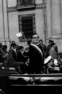 Victor Jara, Latino Americano, Celebridades Fashion, Che Guevara, Photographer Portfolio, South America Travel, Magnum Photos, Popular Culture, Photojournalism