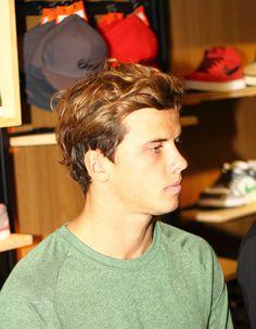 Julian Wilson, pro Aussie surfer. omfg love me