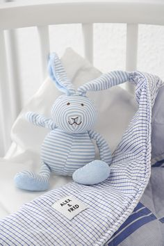 Trendenser - quilt from Alex & Fred, sewn of soft shirting fabrics. The cute bunny is from Teddykompaniet.
