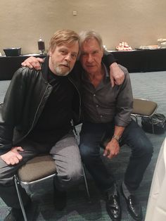 Luke Skywalker & Han Solo Mark Hamill‏Verified account @HamillHimself Apr 19 More #HarrisonNotPointing