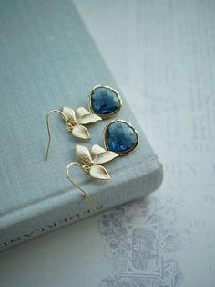 Dunkel blau Saphir-Marineblau-Glas Anhänger vergoldet von Marolsha